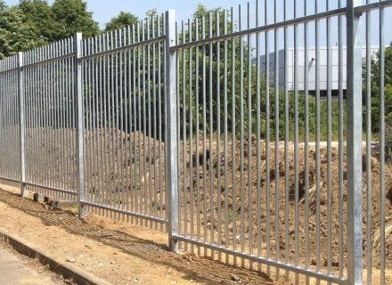 Hiring Contractors For Industrial Fence Solutions
